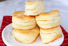 Great tutorial for perfect High-rise Buttermilk Butter Biscuits! ~ Syrup and Biscuits Butter Biscuits Recipe, Buttery Biscuits, Buttermilk Biscuits, Biscuit Recipe, Buttermilk Syrup, Buttery Rolls, Cream Biscuits, Cheese Biscuits, Bread Recipes