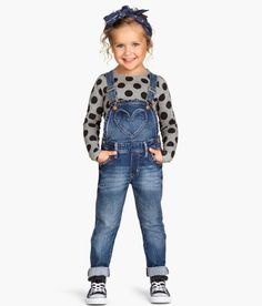 Salopette en denim -- Visit shop mode here -- femme tendance h. Little Girl Outfits, Toddler Girl Outfits, Little Girl Fashion, Toddler Fashion, Kids Fashion, Kids Outfits Girls, Denim Fashion, Dress Fashion, Women's Fashion