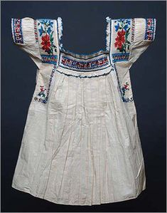 NOT MY PHOTO This vintage blouse is in the collection of the Field Museum. The blouse is attributed to Cholula or Atlixco in the state of Puebla, Mexico Mexican Blouse, Mexican Outfit, Mexican Dresses, Embroidery On Clothes, Embroidered Clothes, Embroidered Blouse, Mexican Traditional Clothing, Traditional Outfits, Mexican Clothing