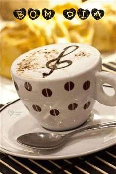Foto com animação I Love Coffee, Hot Coffee, Rosas Gif, Coffee Music, Good Morning Coffee, Recipe From Scratch, Super Quotes, Healthy Baking, No One Loves Me