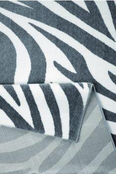 Moderner Teppich Zebra | Onloom Throw Pillows, Pineapple, Modern Carpet, Toss Pillows, Decorative Pillows, Decor Pillows, Scatter Cushions