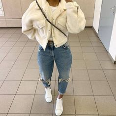 Mode inspo – me❤ bebeen Cozy Cropped Coat # Casual Outfits baddie winter me❤ bebeen Cozy Cropped Coat 18 Photos Cute Swag Outfits, Cute Comfy Outfits, Chill Outfits, Dope Outfits, Stylish Outfits, Baddie Outfits Casual, Warm Outfits, Girly Outfits, Winter Outfits For Teen Girls