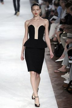 Alexander McQueen Resort 2009 Fashion Show - Margaryta Senchylo