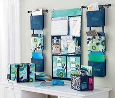 Check out this office! Love the new Oh Snap Bins in Fabulous Floral and Navy Cross Pop! And don't forget the new Double Duty Caddy perfect for keeping your desk organized! https://www.mythirtyone.com/tracyqtbags/ OR https://www.facebook.com/groups/411896248961706/