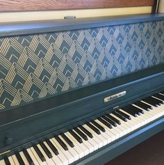 Makeover An Old Piano With Paint & A Stencil | Furniture Flip | Art Deco Patterns | Lexington Craft Stencil | Cutting Edge Stencils #stencils #stenciled #furniture #piano #artdeco #paintedfurniture