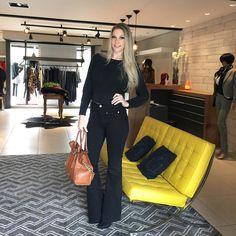Hj ao dar àquela conferida nas novidades da @cartaodamodaa !!! Tudo SEMPRE lindo! #delicia #finde #tksgod #happy #nightnight #lookdodia #ootd #cartaodamodaa #amo #tudolindo #roupaslindas #temnacartao #fashionblogger #fashionlook #fiquelinda #ficaadica