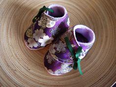 chaussons 3/6 mois polaire parme et chinoiserie violette Fée Home for A Little Market