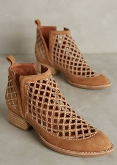 Jeffrey Campbell Taggart Booties - I love these boots and they're available in 5 colors! Bootie Boots, Shoe Boots, Shoes Sandals, Ankle Boots, Shoes Sneakers, Converse Shoes, Sock Shoes, Cute Shoes, Me Too Shoes