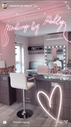Beauty Room Salon, Beauty Room Decor, Makeup Room Decor, Room Design Bedroom, Girl Bedroom Designs, Room Ideas Bedroom, Tapete Gold, Esthetics Room, Salon Interior Design