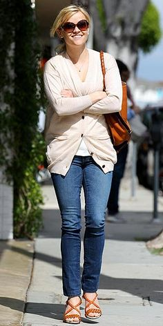 Reese Witherspoon has some of the best style out there.  She does casual better than anyone else!