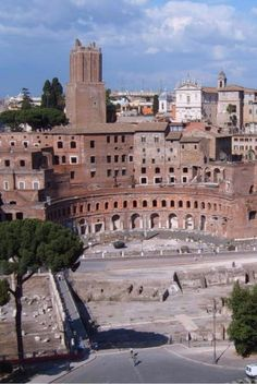 Foro di Traiano. What to see in Rome, Italy. All places on the map.  #rome #italy #travel