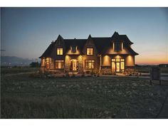Canterra Custom Homes Ltd. Home Builders, Custom Homes, Luxury Homes, Exterior, Cabin, Mansions, Architecture, House Styles, Inspiration