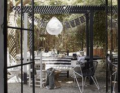 styling: Cleo Scheulderman photo: Alexander van Berge  zwart-wit tuin
