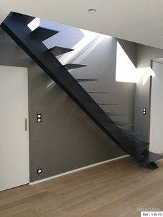 Fabricant escalier un quart tournant Bretagne : Vannes, Rennes, Nantes. Loft Stairs, House Stairs, Stair Railing Design, Loft Style, Stairways, Minimalism, House Plans, Home Decor, Small Space Stairs