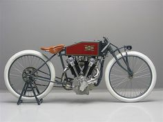 1919 Excelsior - Board track racing