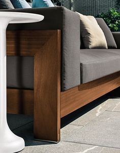 http://www.archiproducts.com/it/prodotti/minotti/divano-da-outdoor-alison-iroko-outdoor_100491