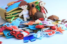 Handmade by mom: Amazing busy book! Sewing Projects, Projects To Try, Felt Projects, Dolls House Figures, Sick Kids, Busy Book, Sewing Toys, Sewing For Kids, Little People