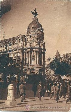 7358 - MADRID - CALLE DE ALCALÁ ESQUINA GRAN VIA - ANTIGUA POSTAL CIRCA 1932 (Postales - España - Comunidad de Madrid Antigua (hasta 1939) - Madrid Capital)