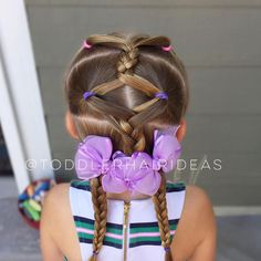 Ponies connected into braids then separated back into ponies! You can't tell, but the braid is split again and connected to the bottom piggies under the bows! This style is fun and easy, plus it stayed really well while playing at the pool! This style was actually inspired by a little girl I saw at the splash pad the other day! ⭐️Click the link in my bio to find my fav products!⭐️