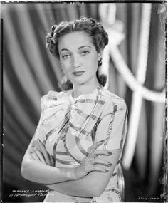 https://flic.kr/p/d3ii3o | 7000-4944 | Camera negative of Dorothy Lamour.