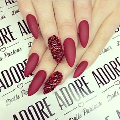Looooove!! Red claws with bling!