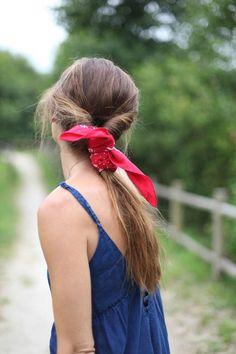 Summer bandanna ponytail hairstyle