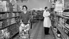 10 Things Southerners Know Best About Grocery Store Etiquette- Southernliving. You don't want Mama catching you misbehaving. Etiquette And Manners, Southern Sayings, Shopping Hacks, Grocery Store, Childhood Memories, Cash Register, Southern Charm, Southern Living, Bump