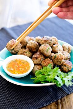 These Thai Pork Meatballs are flavour bombs! Fabulous thai flavours in easy to eat form, serve as a canapé, nibble, appetiser or as part of a Thai banquet. Meatball Recipes, Pork Recipes, Asian Recipes, Snack Recipes, Cooking Recipes, Ethnic Recipes, Thai Cooking, Snacks, Canapes Recipes