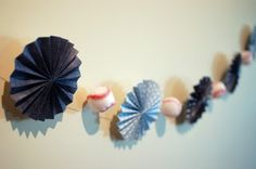 10 idées de guirlandes pour une baby shower à la maison