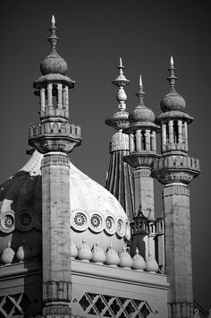 Black white photograph of The Royal Pavilion, Brighton, East Sussex by Nobuyuki Taguchi Brighton East Sussex, Brighton England, Black N White Images, Black And White, Royal Pavilion, Beautiful Mosques, Royal Residence, Photography Articles, Beautiful Places To Visit
