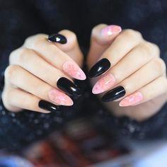 Shiny Black Pointed False Nails