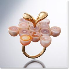Crazy halved pearl ring by Kumiko Mizuno
