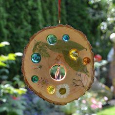 Gartendekoration - Holz Sonnenfänger Blüten & Swarovski Stein ... - ein Designerstück von Tannwicht bei DaWanda (Cool Crafts Products)