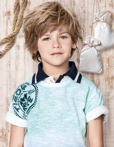 Foto da campanha de verão 2015 - Tigor T. Tigre Kids Boys, Cute Boys, Baby Boys, Beautiful Children, Beautiful Boys, Boys Clothes Style, Boys Long Hairstyles, Boy Models, Boy Pictures