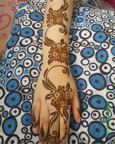 50 Most beautiful Easter Mehndi Design (Easter Henna Design) that you can apply on your Beautiful Hands, Neck, Legs, Back. Khafif Mehndi Design, Mehndi Designs 2018, Mehndi Design Photos, Dulhan Mehndi Designs, Wedding Mehndi Designs, Beautiful Mehndi Design, Hena Designs, Mehndi Images, Tattoo Designs