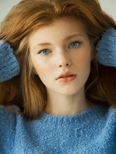red freckles antlers - Discover tons of gorgeous redhead on Bonjour-la-Rousse Beautiful Redhead, Beautiful Eyes, Pretty People, Beautiful People, Beautiful Females, Female Character Inspiration, Redhead Girl, Ginger Hair, Woman Face