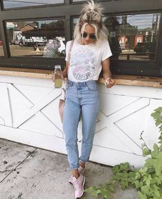 50 Awesome Spring Outfits You Need To Have / 16 - vintage summer outfits outfits vintage shorts vintage dress vintage fashion vintage outfits summer beach dress summer beach wear summer dress flowers - Vintage Outfits -Summer Vintage Dresses 2019 Spring Outfits For School, Trendy Summer Outfits, Outfits For Teens, Fall Outfits, Casual Outfits, Casual Dresses, Mode Outfits, Jean Outfits, Fashion Outfits