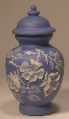 Wedgewood Jar Dogwood by Vince Stapleton - $66.00 : Swan House Miniatures, Artisan Miniatures for Dollhouses and Roomboxes