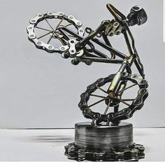 """Fantastic """"metal tree wall art hobby lobby"""" detail is offered on our website. Take a look and you wont be sorry you did. Metal Tree Wall Art, Scrap Metal Art, Lampe Metal, Bike Craft, Recycled Bike Parts, Arte Robot, Sculpture Metal, Metal Art Projects, Bicycle Art"""