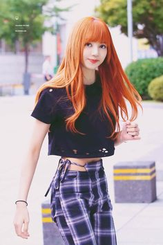 You are a fan of the YG girl group Black Pink, especially you are very fond of and impressed with her talented little sister Lisa Blackpink? Blackpink Lisa, Jennie Lisa, Blackpink Fashion, Korean Fashion, Fasion, Blackpink Outfits, Korean Girl, Asian Girl, Lisa Black Pink