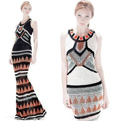 Vanessa Montoro es una artista brasileña que diseña prendas tejidas. Combina punto y ganchillo en diseños de los que apenas si confecciona unas pocas unidades. Por otra parte, asegura que todas sus...