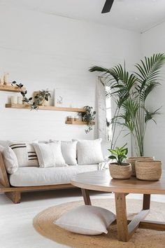 75 Smart Solution Small Apartment Living Room Decor Ideas to Feel Less Cramped Small Living Room Ideas Apartment Cramped Decor Feel Ideas Living Room Small Smart Solution Boho Living Room, Interior Design Living Room, Living Room Designs, Living Rooms, Cozy Living, Coastal Living, Coastal Style, Living Room Decor With Plants, Small Room Interior
