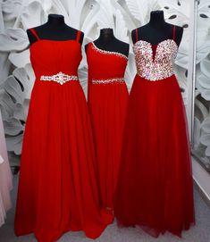"""Svatební studio Nella ❤💃 on Instagram  """"❤❤❤ Dlouhé červené šaty do  společnosti a na plesy. Vlevo velikost XL 44 46 Uprostřed velikost L 40 42  Vpravo ... 022ea93b17"""