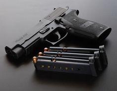 SIG SAUER P220 .45ACP SA/DA