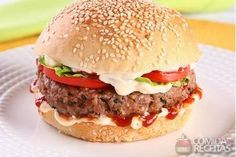 Receita de Hambúrguer caseiro especial em receitas de paes e lanches, veja essa e outras receitas aqui!
