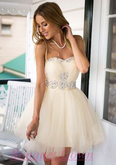 2016 Sweetheart Crystals Short Homecoming Dresses Elegant Graduation Dress Short Prom Gowns