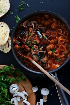 A fabulous One Pot Vegan Eggplant Pasta that's light yet filling, with hearty vegetables and rich with tomato flavor -from the Minimalist Baker.