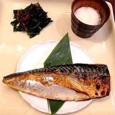 wow✨  อาหารญี่ปุ่น ก็ saba ชอบ    ขอบคุณ risnap  - 146件のもぐもぐ - Charcoal Grilled Saba by Pat Zaa