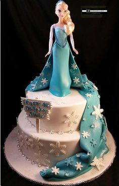 Elsa cake from the movie Frozen...  for my niece's birthday!  Yayy!!!