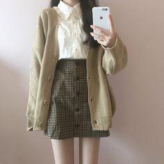 Korean Fashion Tips .Korean Fashion Tips Korean Girl Fashion, Korean Fashion Trends, Ulzzang Fashion, Korean Street Fashion, Cute Fashion, Fashion Pants, Fashion Outfits, Woman Fashion, K Fashion Casual